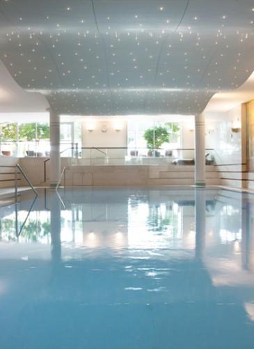 Lausanne Palace - piscine ©GREGOIRE GARDETTE