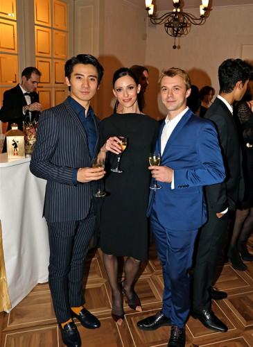 Jiayong Sun et Bianca Stoicheciu, les deux principaux danseurs du Béjart Ballet avec Vladimir Ippolitov, fondateur de Geneva Dance Events