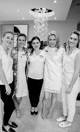12. Le Beauty-Team de Forever Boutique - Morgane Mundwiller, Rachel Polla, Margaux Prudat, Marie de Riedmatten, Shannon Faure