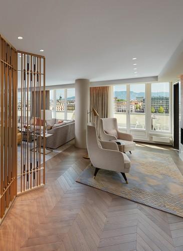 MandarinOrientalGeneva_Royal-Penthouse_Living-rrom-fireplace