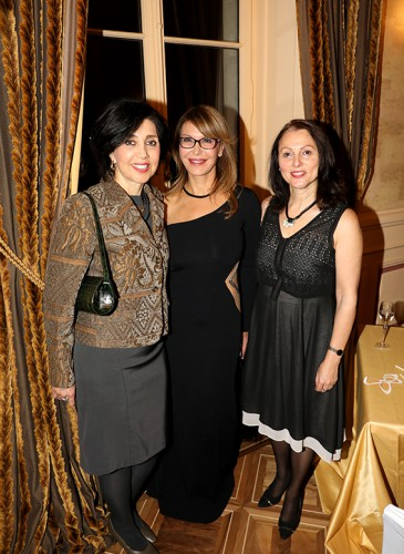 Silvia Elena Alfaro Espinosa, Ambassadrice du Pérou, Ronit Raphael, CEO et fondatrice de L.RAPHAEL et Aviva Raz Shechter, Ambassadrice d'Israël