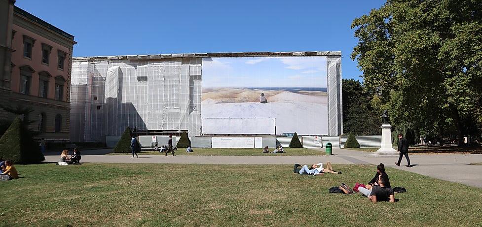 GENÈVE : l'art public s'invite dans votre salon…
