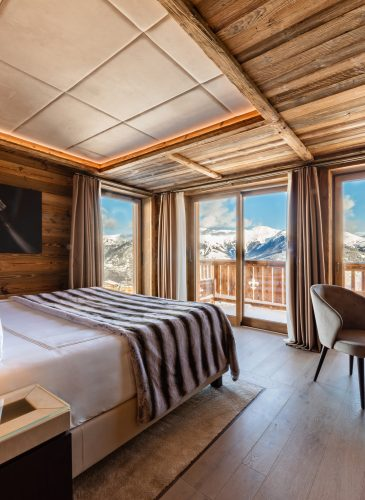 Ultima Courchevel - Bedroom and View Mountains