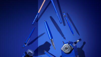 Caran d'Ache + Klein Blue – Infiniment bleu.