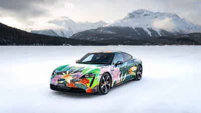Porsche met aux enchères le Taycan Artcar pour une bonne cause